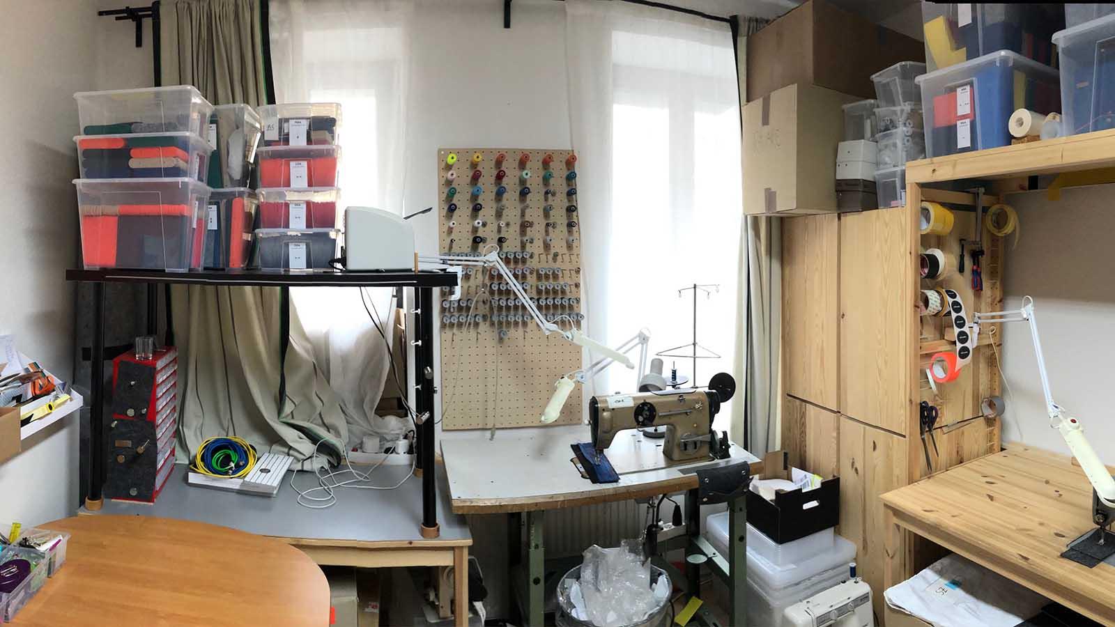 15qm Atelier für alle Arbeitsschritte. Da bleibt kein Raum für Ideen.
